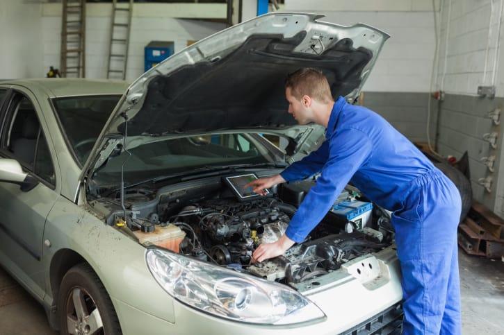 On ne soigne pas la douleur comme on répare une voiture